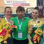 Simona Krupeckaitė ir Miglė Marozaitė su treneriu Anatolijumi Novikovu
